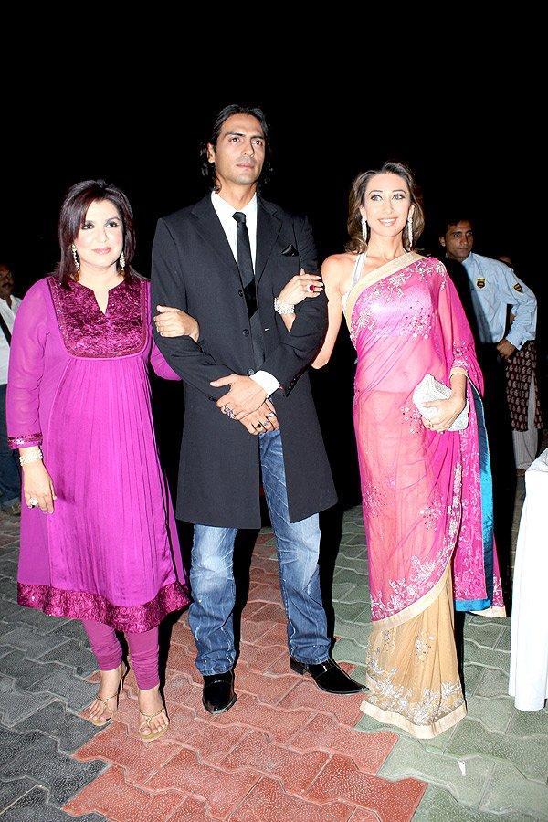Karishma Kapoor In Transparent Saree