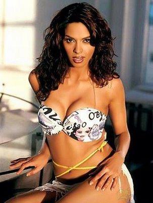 Mallika Sherawat Sexy Hot Outfit Still