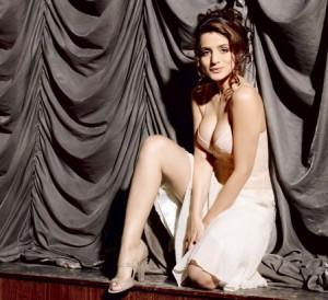 Amisha Patel Sexy And Bold Pics