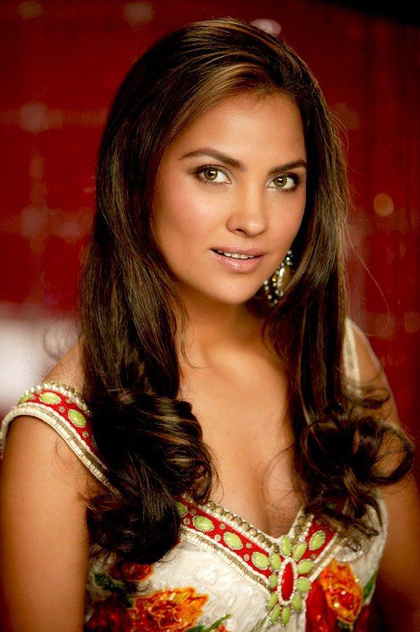 Lara Dutta Nice Beauty Face Still