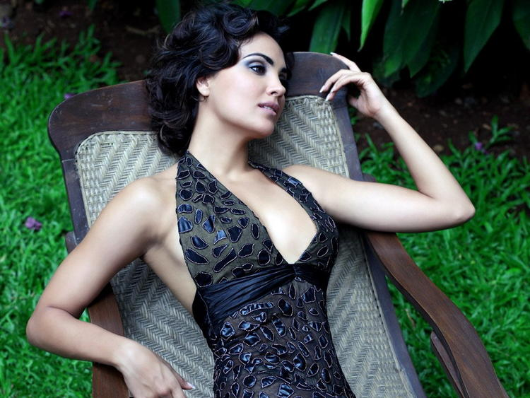 Lara Dutta Romancing Pose Photo Shoot