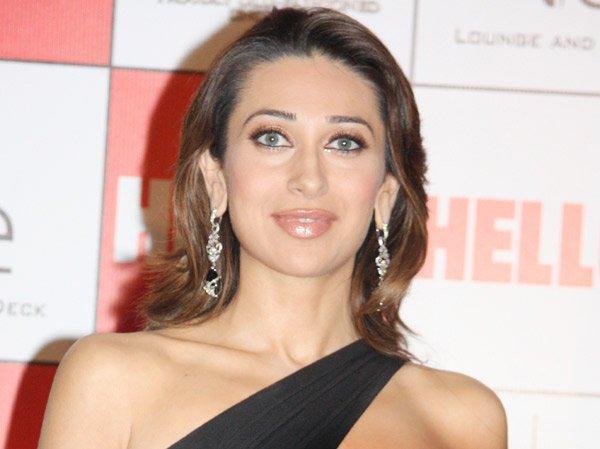 Karishma Kapoor Sexy Eyes Glamour Still
