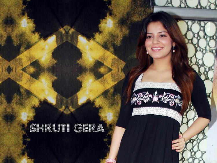 Shruti Gera Beauty Smile Pic