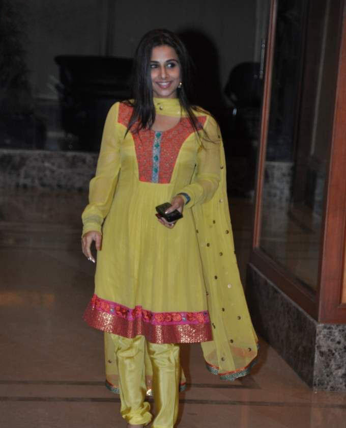 Vidya Balan In Salwar Suit Nice Pics
