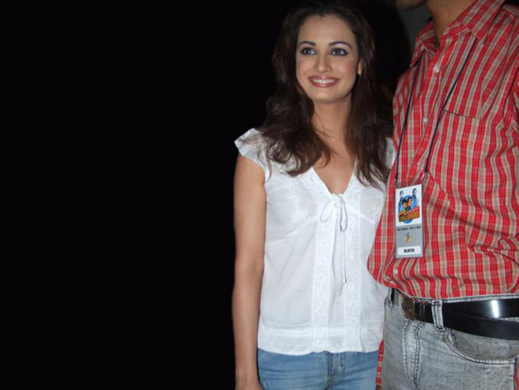 Diya Mirza Beauty Still In White Tops and Jeans