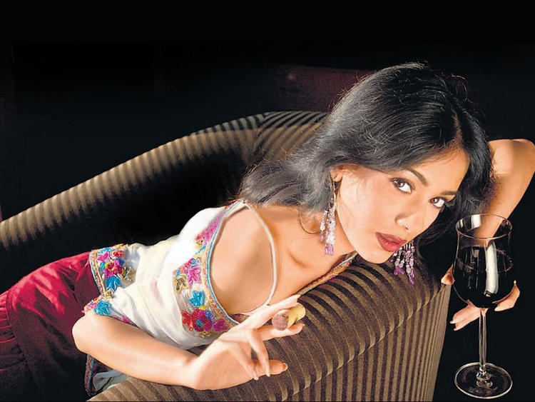 Amrita Rao Latest Spicy Hot Wallpaper