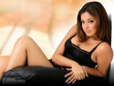 Tanushree Dutta Sexy And Bold Wallpaper
