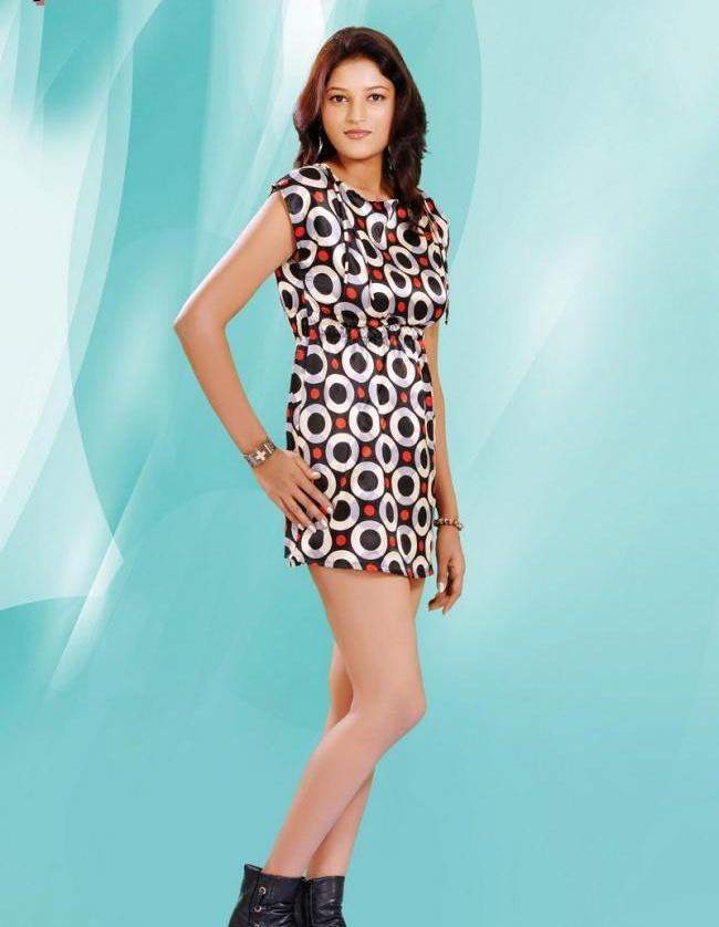 Roopali Stylist Look Wallpaper