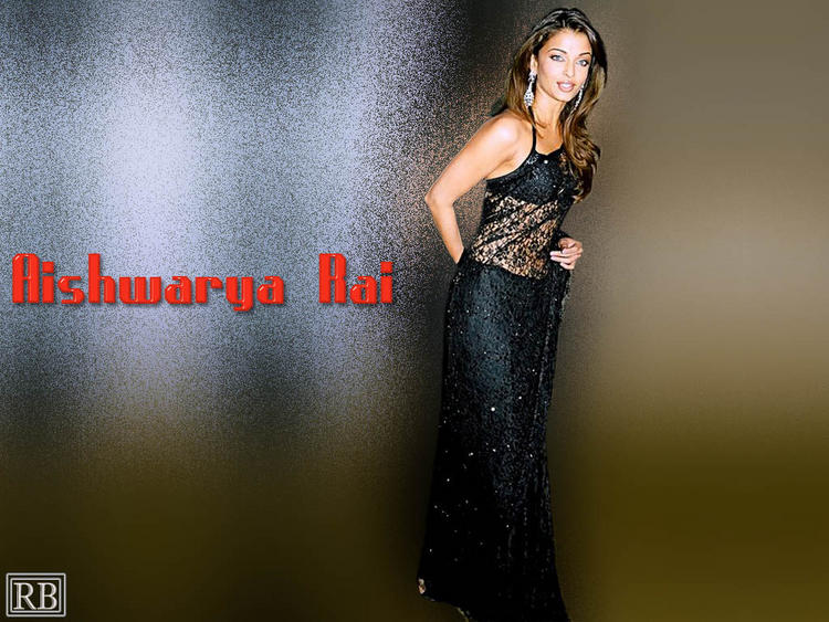 Aishwarya Rai Sexy Wallapper In Net Saree