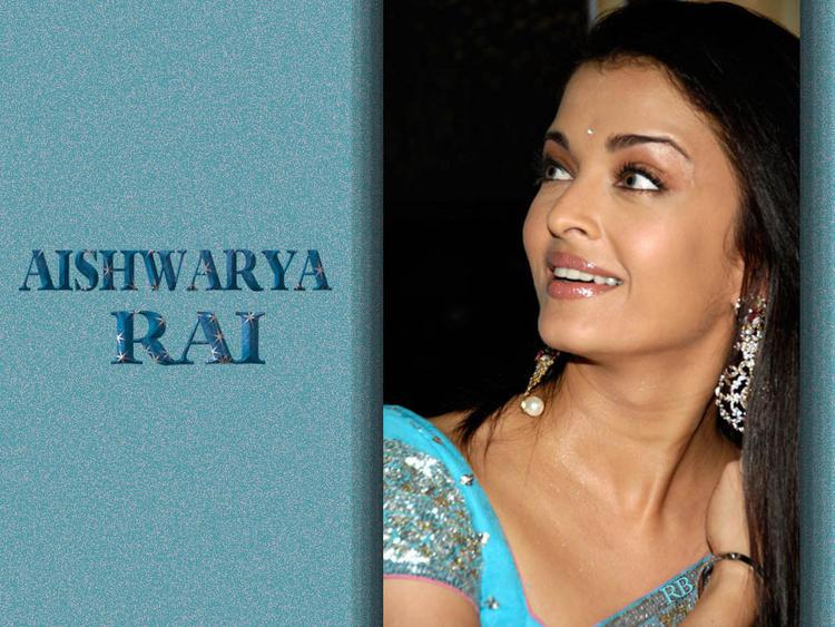 Sweet Indian Lady Aishwarya Rai Wallpaper