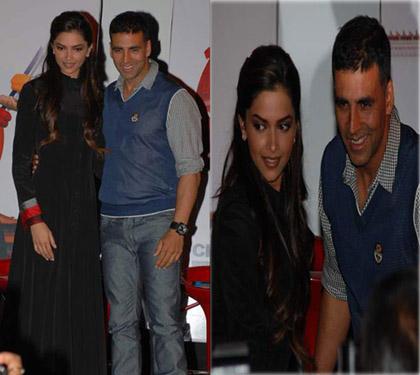 Akshay Kumar and Deepika Padukone Photo