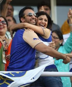 Raj Kundra With Shilpa Shetty Smiling and Cool Pics
