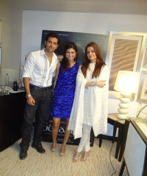 Hrithik Roshan and Aish Poses To Photo Shoot
