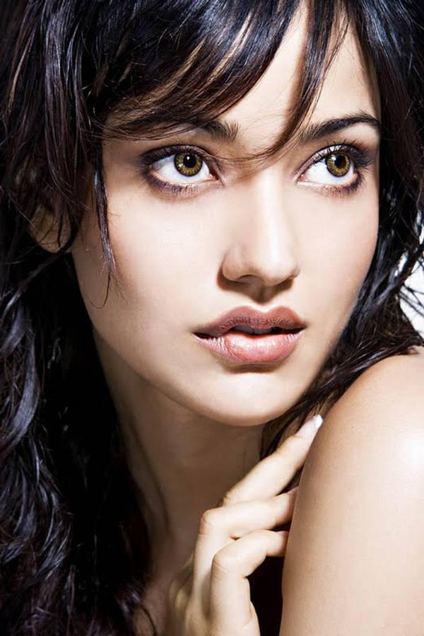 Neha Sharma Dazzling Face Look Wallpaper