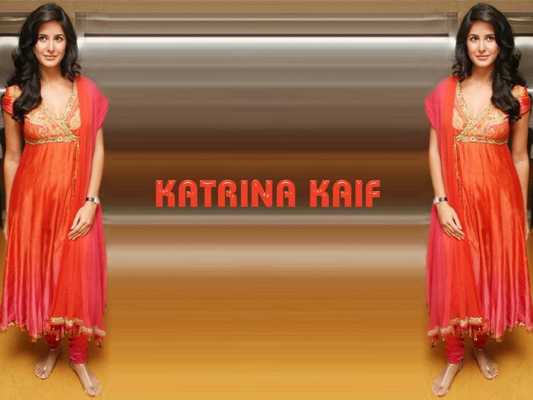 Katrina Kaif Simple Beautiful Wallpaper In Churidar