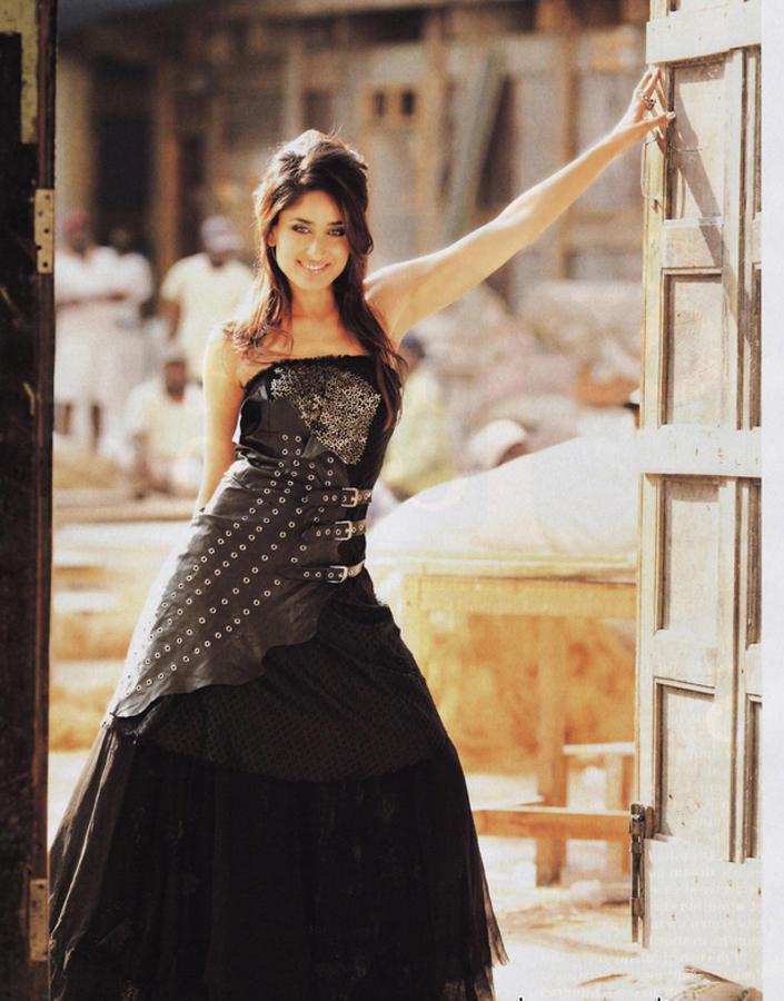 Kareena Kapoor Sexy Pose Still In Black Gown