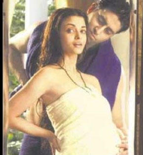 Pregnant Aishwarya and Abhishek Romance Pic