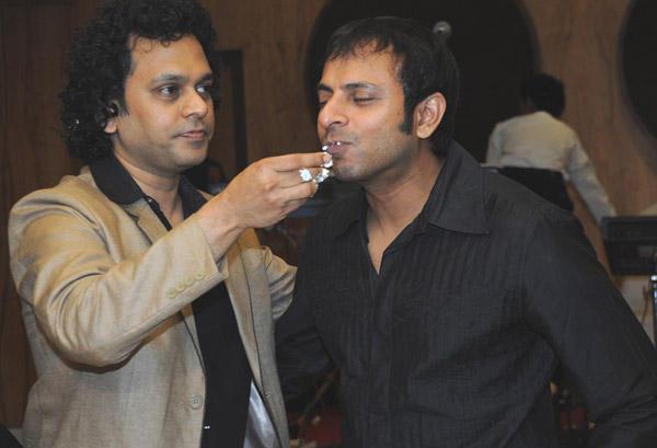 Viveck Shettyy Celebrate Birthday With His Friend Joy Sengupta
