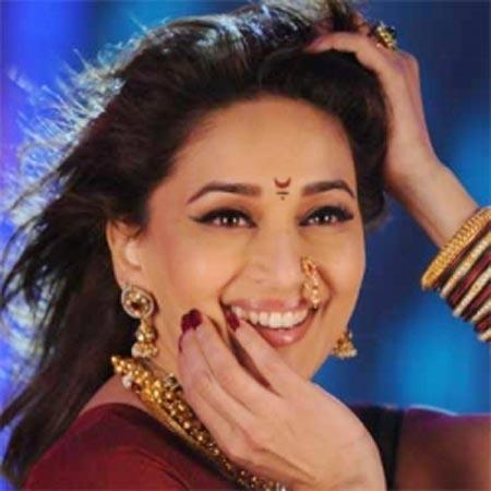 Spicy Bollywood Diva Madhuri Dixit Pic