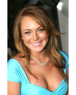 Lindsay Lohan Open Boob Show Smiling Look Still