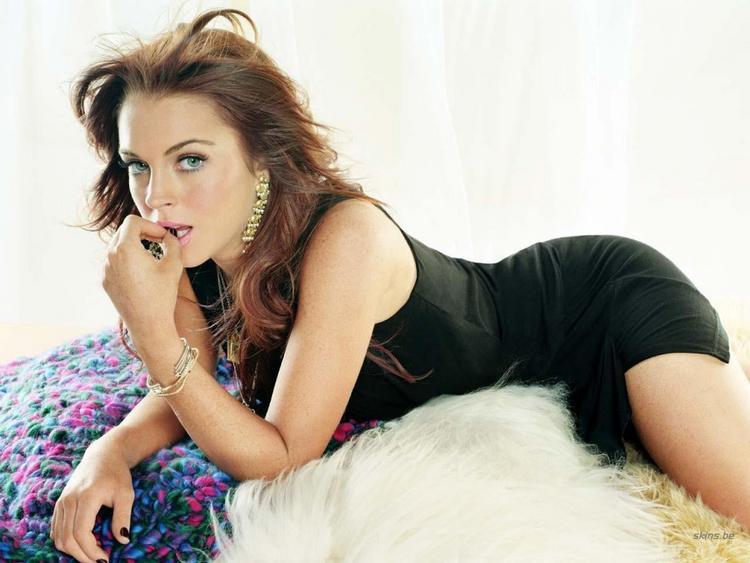 Lindsay Lohan Spicy Pose Photo Shoot