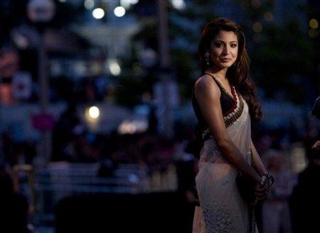 Anushka Sharma Looks Hot In White Transparent Saree