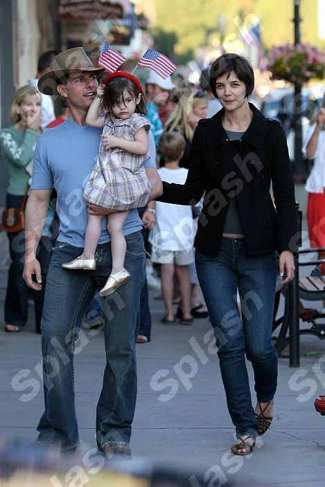 Tom Cruise And Katie Holmes With Kids