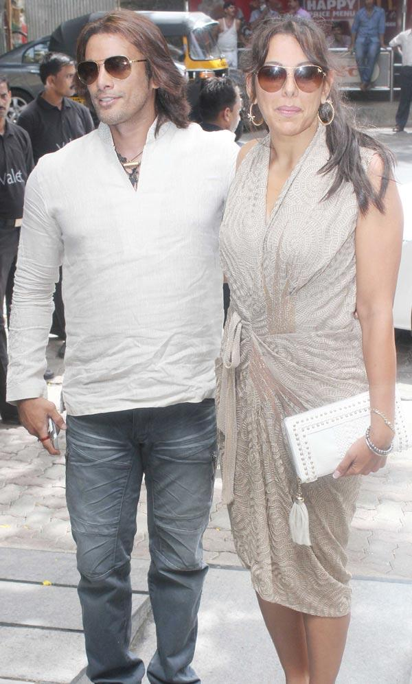 Akashdeep Saigal and Pooja Bedi at Hakkasan Anniversary Party