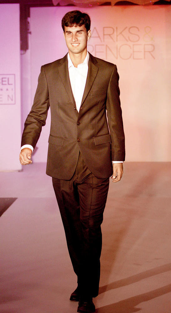 Yuki Bhambri Looks Dapper In A Suit At Marks And Spencer Fashion Show