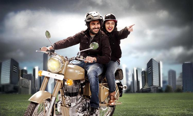 Sharwanand And Nithya Awesome Still From Movie Yemito Ee Maya