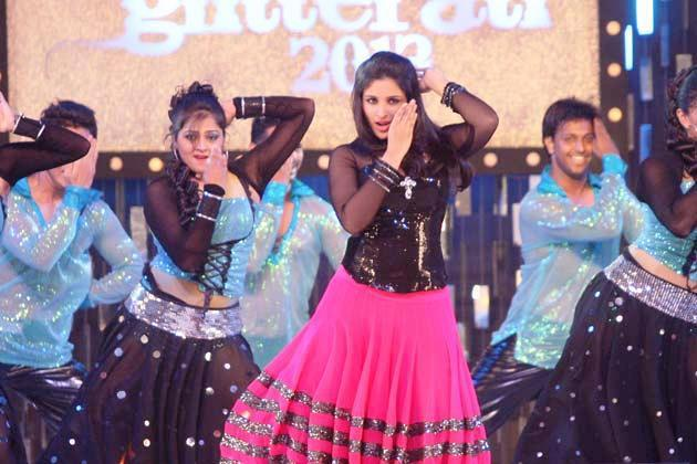 Parineeti Superb Look Performance At Glitterati 2013 Aamby Valley City On New Years
