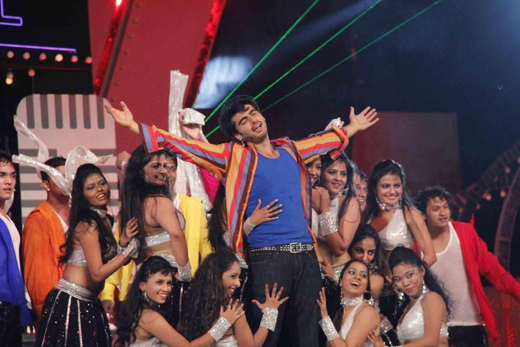 Arjun Perform In A Song At Glitterati 2013 Aamby Valley City On New Year