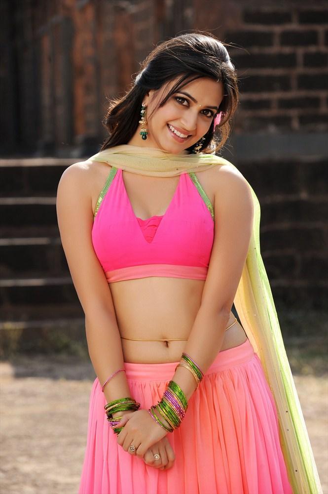 Kriti Kharbanda Cute Lovely Smiling Still From Ongole Githa Movie