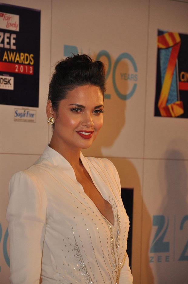 Esha Makes Heads Turn In Dior At Zee Cine Awards 2013