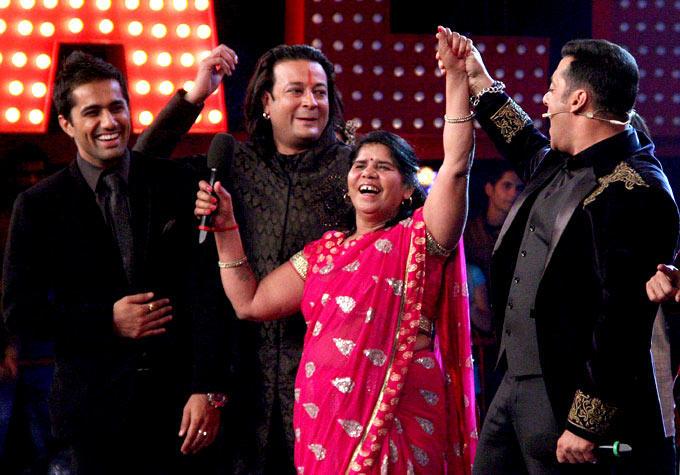 Vishal,Santosh,Sampat And Salman In An Amusing Moment At Bigg Boss 6 Grand Finale