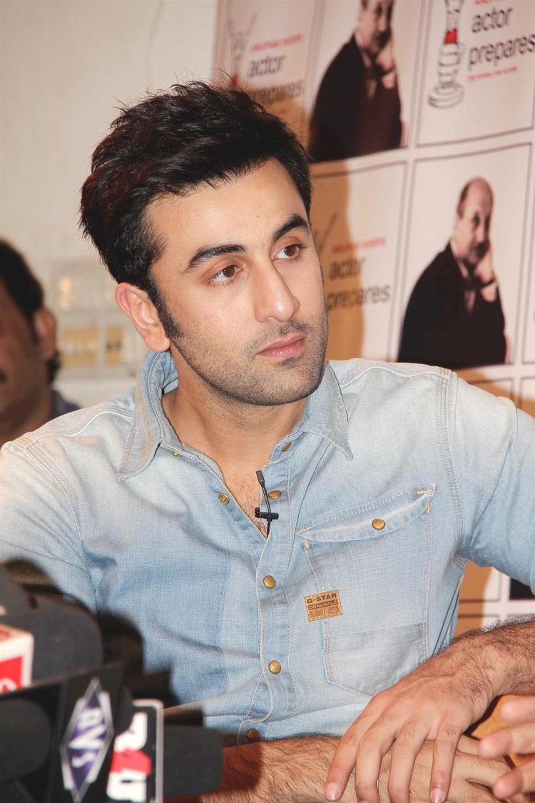 Ranbir Kapoor Attend The Interview By Anupam Kher