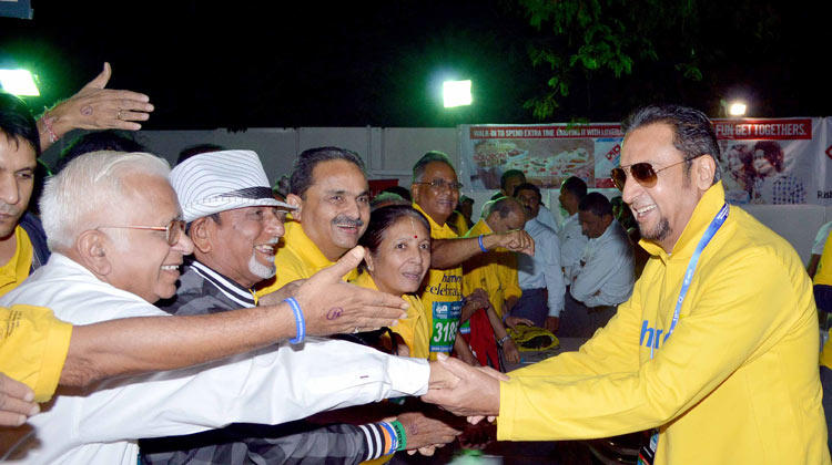 Gulshan Grover Meet His Fans at Mumbai Marathon