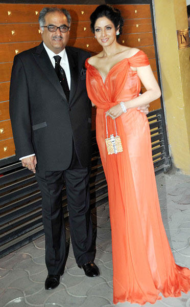 Sridevi With Hubby Boney Make An Appearance At Filmfare Awards 2013