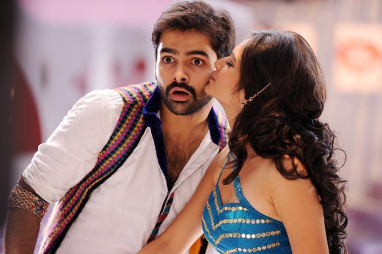 Kriti Kisses Ram Nice Scene From Ongole Gittha Movie