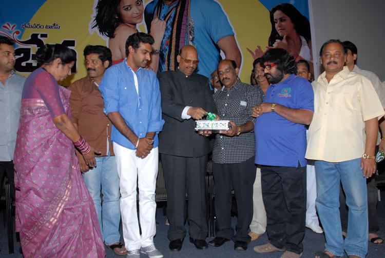 Shobha And Srihari At Vishwa Vijetha Movie Audio Launch