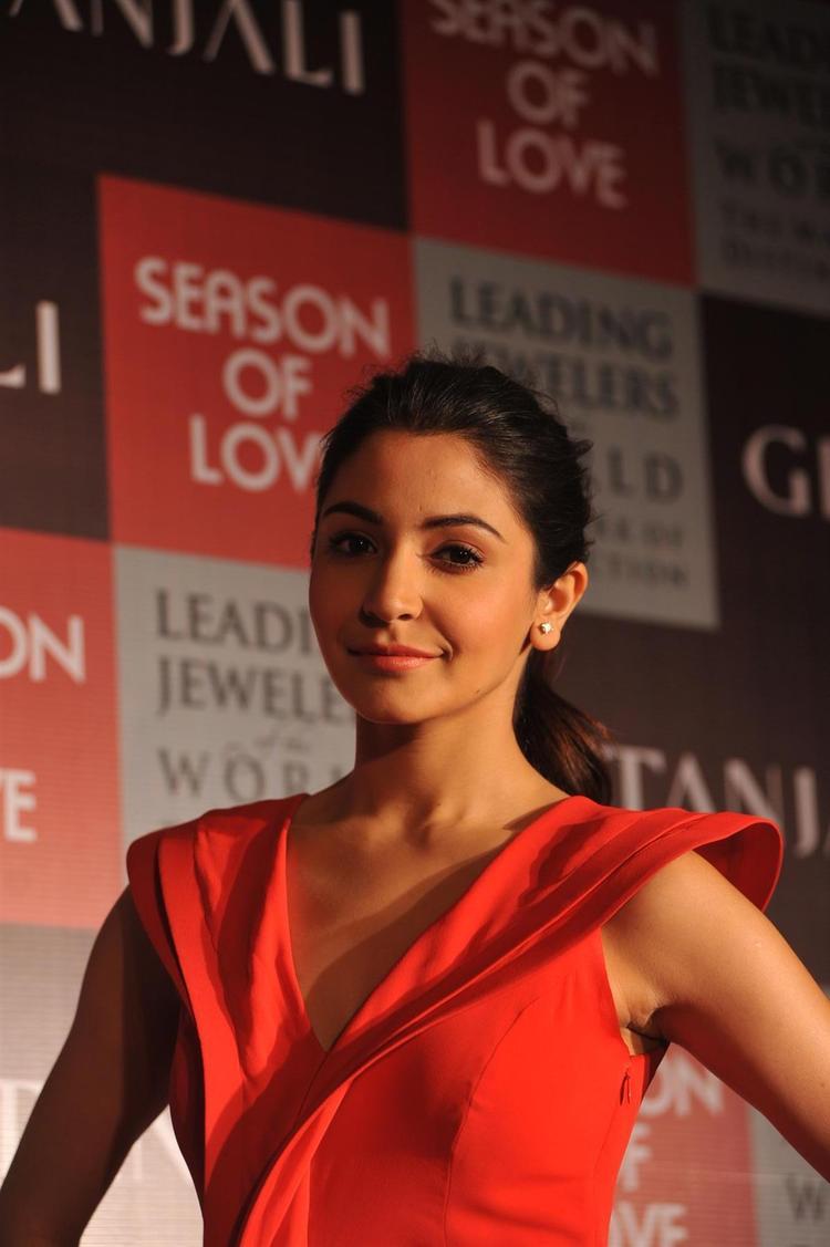 Anushka Glamour Look At The Launch Of Season Of Love Range By Gitanjali Jewels