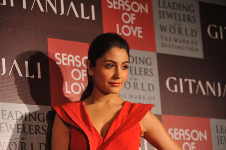 Anushka Posed For Camera At The Launch Of Season Of Love Range By Gitanjali Jewels