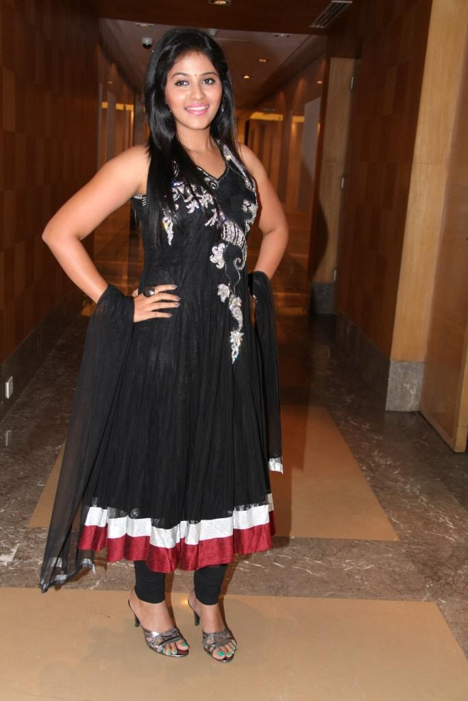 Anjali Looked Radiant In A Black Gown At Balupu Movie Logo Launch