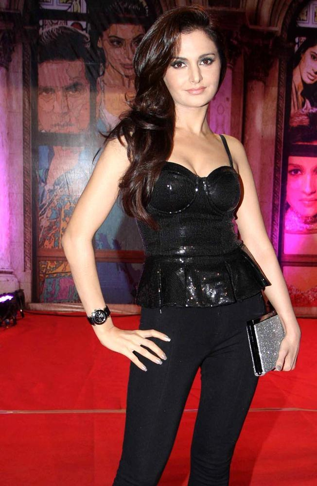 Monica Bedi Posed For Camera In A Black Dress At Stardust Awards 2013