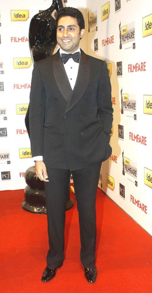 Abhishek Looks Dapper In A Suit At Filmfare Awards Function
