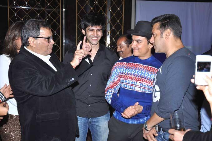 Subhash In An Animated Conversation With Salman And Aamir At Subhash Ghai Birthday Bash