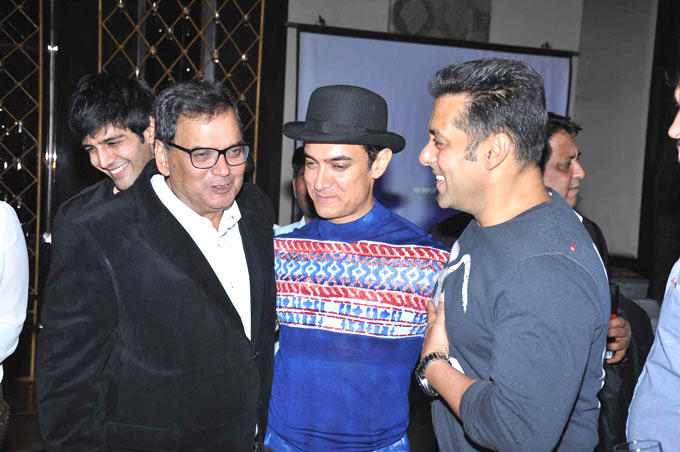 Subhash,Aamir And Salman Share A Fun Moment At Subhash Ghai Birthday Bash