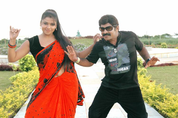 Jyothi And Yati Raja Dancing Pose Still From Pandavulu Movie