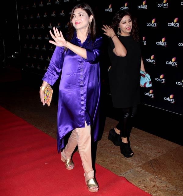 Alka Yagnik Greets Her Fans In Red Carpet At Colors 4th Year Celebration Bash