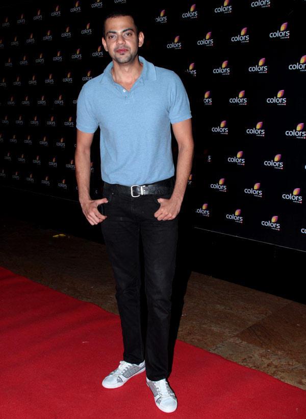 Cyrus Sahukar Strikes A Pose In Red Carpet At Colors 4th Year Celebration Bash